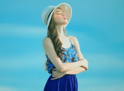 Hồ Ngọc Hà đẹp mong manh ở Phú Quốc