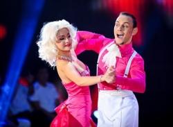Liveshow 1 Bước nhảy hoàn vũ 2013: Lan Phương tỏa sáng như
