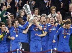 Nghẹt thở vượt qua Benfica, Chelsea lên ngôi ở Europa League