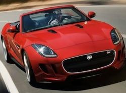 Siêu mẫu Playboy đẹp rực rỡ bên siêu xe Jaguar F-Type