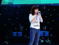 Tập 1 vòng Giấu mặt The Voice 2013: Cô bé 16 tuổi gây