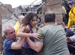 Toàn cảnh cơn bão vòi rồng gây chấn động dư luận nước Mỹ