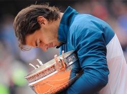 Khoảnh khắc Nadal đăng quang Roland Garros lần thứ 8