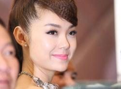 Video: Hướng dẫn make-up cuốn hút như Minh Hằng