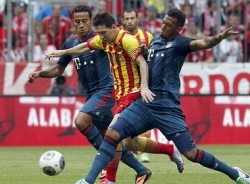 Video Bayern - Barca: Thêm một lần đau