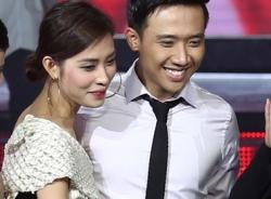 Trấn Thành và bạn gái hot girl ôm nhau không rời