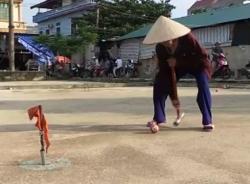 """Môn thể thao """"độc nhất vô nhị"""" của các cụ bà Hà Thành"""