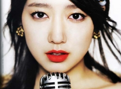 Phong cách trang điểm dâu tây của Park Shin Hye