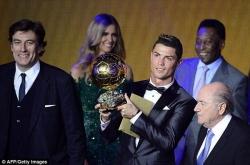 Những giọt nước mắt hạnh phúc của Ronaldo