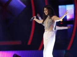 Phương Vy khuấy động sân khấu Gala Vietnam Idol 2013