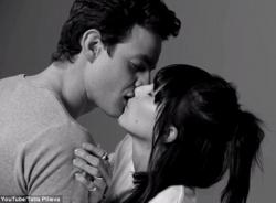 Clip hot 'Nụ hôn đầu' với 1 triệu lượt xem sau 1 ngày