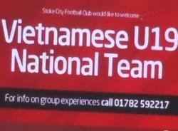 Hàng chục nghìn CĐV chào mừng U19 Việt Nam trên sân Britannia