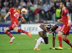 Europa League: Lão tướng Pirlo tỏa sáng, Juventus vào bán kết