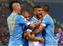 Benitez cùng 10 người Napoli đoạt Cúp QG Ý
