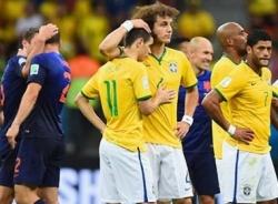 Video bàn thắng Brazil - Hà Lan: Thêm một lần muối mặt