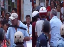 Clip: Người nước ngoài bị hành hung vì thiếu tiền taxi ở Đà Nẵng