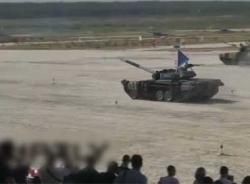 Video 12 nước đua xe tăng tại Nga