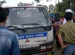 Video một người chết sau khi va chạm với CSGT ở Tuyên Quang