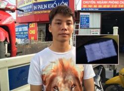 Sinh viên ăn mặc 'hổ báo', đi mua ma túy về 'thư giãn'
