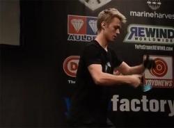 Clip mãn nhãn với nhà vô địch trình diễn Yo-Yo thế giới