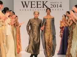 NTK Văn Thành Công 'nhỏ bé' bên Hoa hậu Ấn Độ 2013