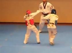 Video chết cười với hai võ sĩ