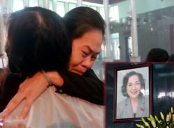 Rơi nước mắt trong phút tiễn đưa đồng chí Võ Thị Thắng