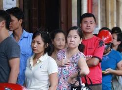 Người dân lại xếp hàng ở tiệm bánh trung thu nổi tiếng nhất Hà Nội
