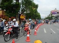 Cấm ô tô vào đường Xuân Thủy - Cầu Giấy sớm hơn dự kiến, nhiều người bất ngờ