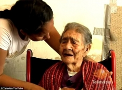 Cụ bà 127 tuổi ăn nhiều sô-cô-la để trường thọ