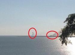 Phe ly khai Ukraine đốt tàu tuần dương: Chiến sự lan ra biển