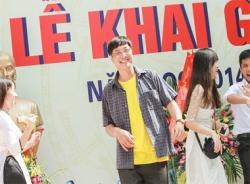 Trường THPT Việt Đức: Thầy hiệu trưởng nhảy cực 'sung' trong lễ khai giảng