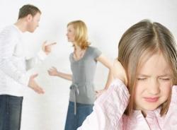 Nguy cơ mất hạnh phúc và quyền nuôi con sau lần giận chồng bỏ nhà đi