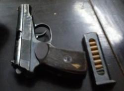 141 phát hiện súng, ma túy trong xế hộp