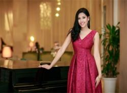 Hoa hậu biển Nguyễn Thị Loan kiêu sa với đầm xoè đỏ