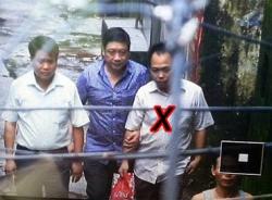 Hung thủ bắt cóc 3 con tin bỏ nhà đi vì nợ nần hàng trăm triệu