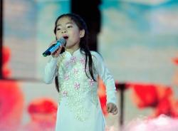 Thu An quán quân Đồ Rê Mí 2014 ngọt ngào với 'Lời mẹ hát'