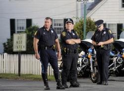 Giả làm cảnh sát 23 năm để để kiếm tiền