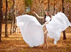 'Mẫu ngựa' Cao Thùy Linh chính thức bị 'cấm diễn' vì thi Hoa hậu chui