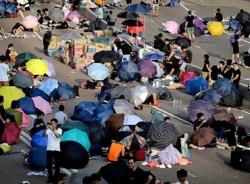 Biểu tình tại Hong Kong: 56 người bị thương, 89 người bị bắt