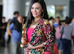 Cao Thùy Linh bị phạt 30 triệu vì thi Hoa hậu 'chui'
