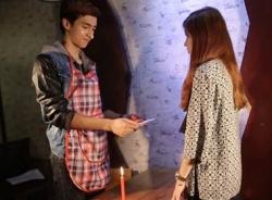 Clip hài: Hot boy tặng quà 20/10 làm hot girl cảm động