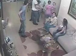 Trưởng phòng y tế huyện bị chém ngay trước cửa nhà