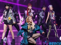 Lùm xùm scandal, 2NE1 rút khỏi các lễ trao giải