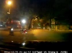 Cảnh sát cơ động rượt đuổi 2 thanh niên như phim hành động
