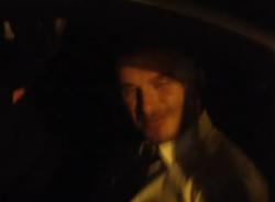 Beckham mở cửa kính ô tô quay người hâm mộ VN lúc nửa đêm
