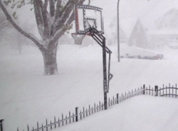 Một nửa diện tích nước Mỹ bị phủ trắng trong đợt lạnh kỷ lục