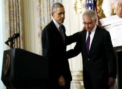 Vì sao Bộ trưởng Quốc phòng Mỹ từ chức?