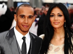 Hamilton sắp trở thành vận động viên Anh quốc giàu có nhất