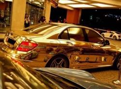 Choáng ngợp với bộ sưu tập siêu xe 5 tỷ đô của Quốc vương Brunei